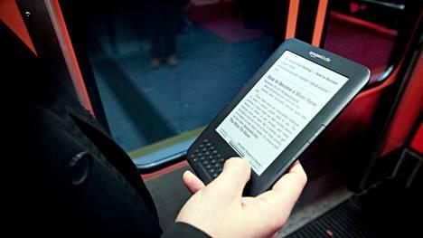 Vanhoista Amazonin Kindle-lukulaitteista voi lähiaikoina kadota verkkoyhteys kokonaan.