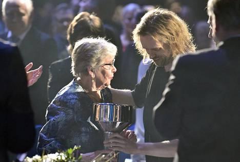 Matti Nykäsen ura ja saavutukset kirjattiin Suomen urheilun Hall of Fame -galleriaan. Nykäsen äiti Vieno Nykänen otti vastaan poikansa pokaalin Urheilugaalassa Helsingissä aiemmin tammikuussa.
