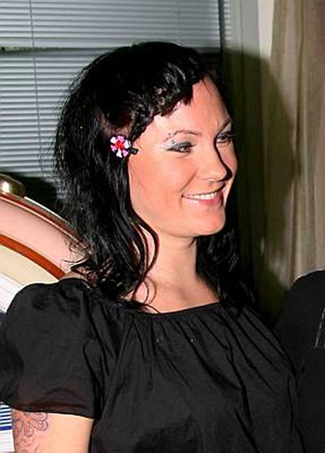 Mira Luoti ei halua kommentoida raskaushuhuja.