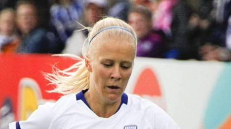 Adelina Engman on Suomen naisten maajoukkueen runkopelaajia.