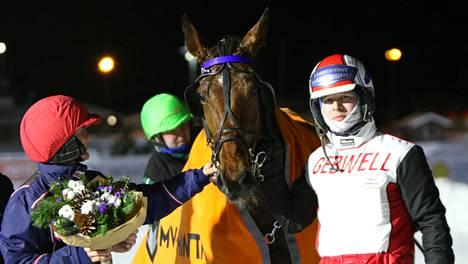 Roberto Diver ja Mr Golden Quick 75-voittoihin Uumajassa