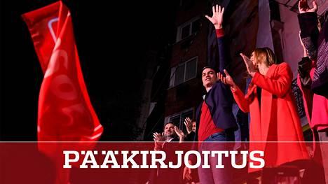 Sosialistijohtaja Pedro Sánchez julistautui voittajaksi vaaleissa, jotka olivat hänelle pettymys.