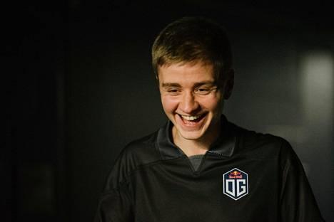 """Johan """"n0tail"""" Sundstein voitti Dota 2:n maailmanmestaruuden 15000 pelitunnin jälkeen."""