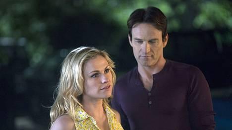 True Bloodin keskiössä on ollut Sookien (Anna Paquin) ja Billin (Stephen Moyer) romanssi. Näyttelijät ovat naimisissa oikeassa elämässä.
