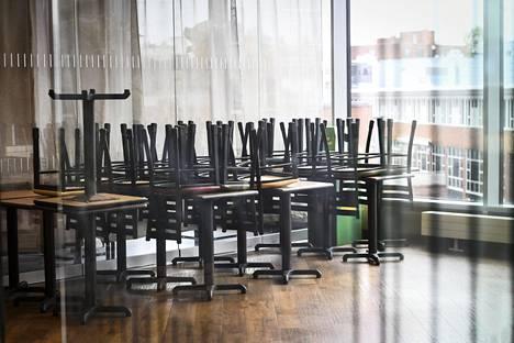 Ravintoloiden sulkeminen on yksi keino pitää ihmiset kodeissaan.