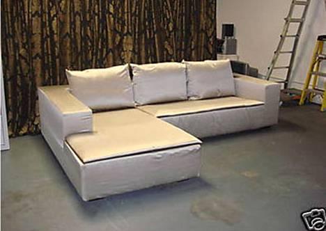 Tämä on Jennan ja Titon kauppaama sohva.