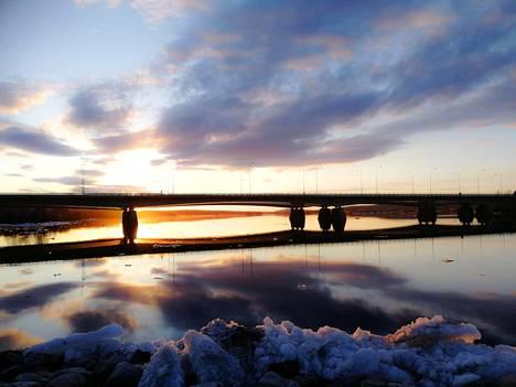 Rovaniemi. Silta ja järvi.