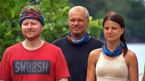 Sampo Kaulanen (vasemmalla) pääsi Ilari Sahamiehen kanssa kilpailun viimeiseen vaiheeseen. Pulmapeli oli kuitenkin kyläkauppiaalle liian vaikea tehtävä.