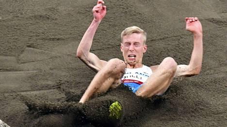 Vaikka hiekalla kulkee, Kristian Pulli ei pidä itsestään meteliä. Hänen vaatimattomuutensa on suorastaan hämmentävää.
