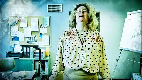 Epätoivoinen ihminen saattaa päätyä epätoivoisiin tekoihin. Sen osoittaa TE-toimiston Annelin hahmo, jota näyttelee Elina Knihtilä.