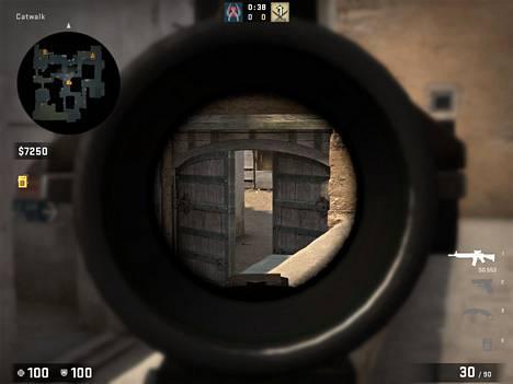 Kriegillä voi zoomata toisin kuin toisella suositulla terroristipuolen rynnäkkökiväärillä AK-47:llä.