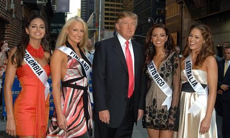 Ninni Laaksosen kanssa Late Show with David Letterman -ohjelmaan osallistuivat Miss Australia, Miss Puerto Rico ja Miss Kolumbia.