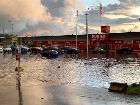 Myös Vantaalla koettiin tulvia.