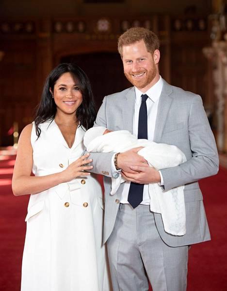 Meghan ja Harry esittelivät Archie-poikansa maailmalle keskiviikkona.