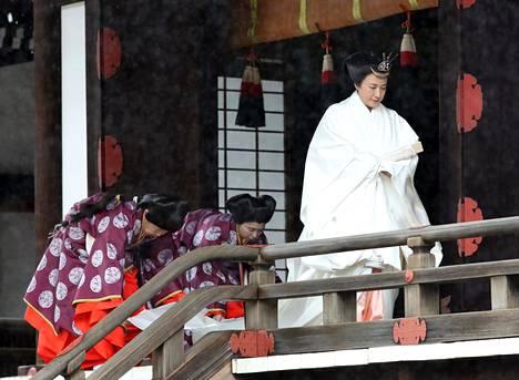 Keisarinna Masako osallistui noin tunnin kestäneeseen seremoniaan.