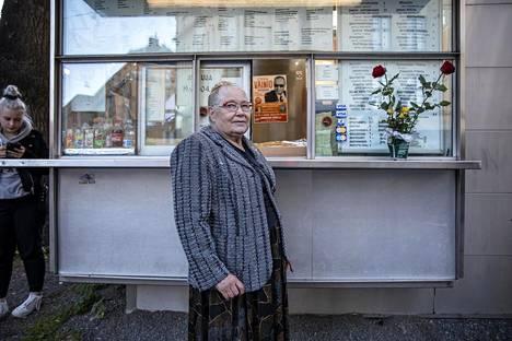 Aliisa Karhumäellä on takanaan pitkä ja tapahtumarikas ura grilliemäntänä Töölössä.