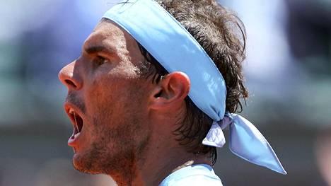 Rafael Nadal eteni välieriin Ranskan avoimissa – kohtaa turnauksen viidenneksi sijoitetun