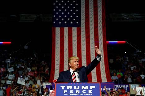 Republikaanien Donald Trump kampanjoi Virginian Roanokessa 24.9.2016.