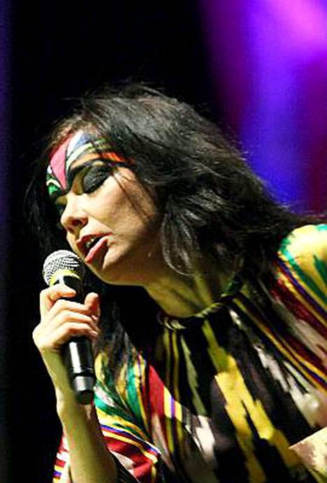 Björk pitää harvinaislaatuisen ulkoilmakeikan Suomessa.