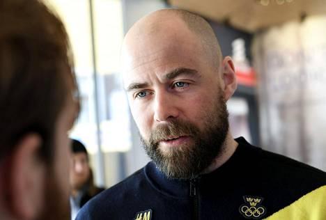 Grip ehti toimia hetken Ruotsin olympiakomiteassa ennen siirtymistään ampumahiihtoon.