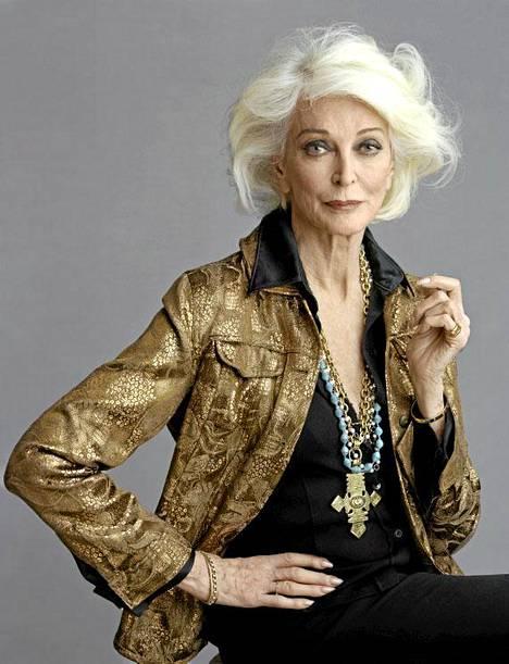 84-vuotias Carmen Dell'Orefice tekee edelleen mallintöitä.