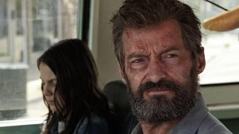 Hugh Jackman on näytellyt Wolverinea vuoden 2000 ensimmäisestä X-Men-seikkailusta lähtien. Nuorta mutanttia Loganissa esittää Dafne Keen.