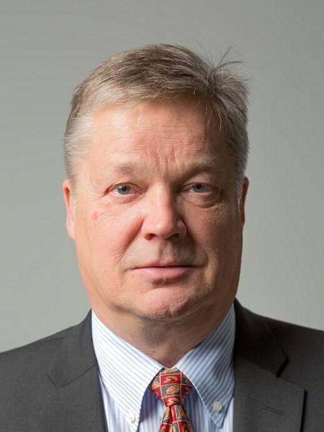 Lastentautien professori Terho Heikkinen.