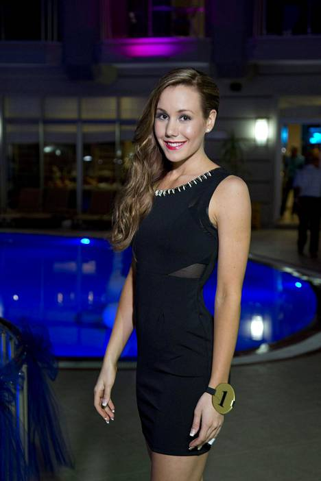 Jasmin kilpaili Miss Suomi -kisoissa vuonna 2014.