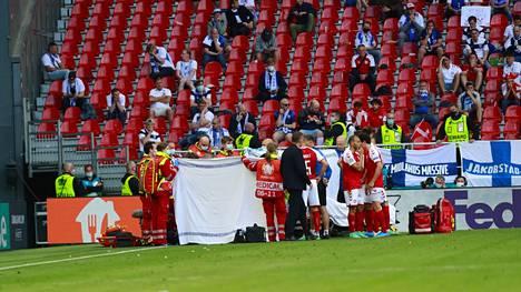 Christian Eriksen lyyhistyi kentän pintaan EM-ottelussa Suomea vastaan ensimmäisen puoliajan lopulla.