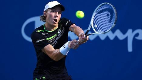 Emil Ruusuvuori voitti avausottelunsa Yhdysvaltain Indian Wellsin turnauksessa.