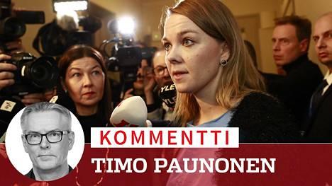 Katri Kulmunin esiintyminen keskustan eduskuntaryhmän ylimääräisen kokouksen jälkeen oli ponneton.