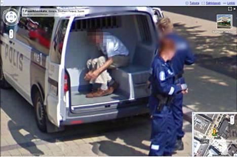 Keravalla poliisi nappasi miehen maijaan suoraan Googlen kuvausauton edessä.