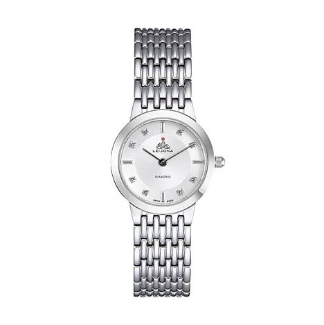 Leijonan Swiss-malliston kellot valmistetaan Sveitsissä. Kuvassa yksi naisten malleista, 399 €.