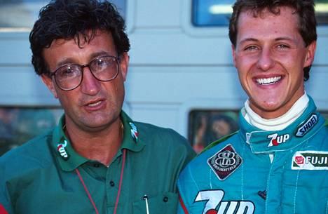 Michael Schumacherin F1-ura alkoi  elokuussa 1991 Belgiassa. Kuvassa myös Schumacherin uran ensimmäinen tallipäällikkö, Jordanin Eddie Jordan.