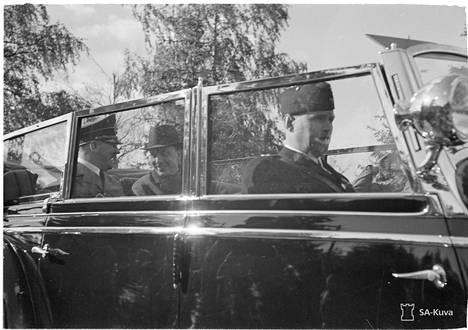 Hitler ja Ryti tapasivat Suomessa 1942. Uuden kirjan mukaan Rytillä oli suuri rooli Petsamon nikkeliin riippuvissa episodeissa.