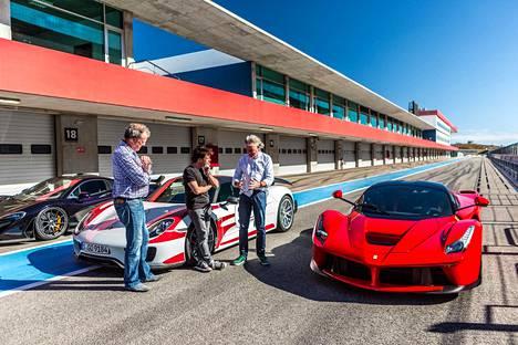 Jeremy Clarksonin, Richard Hammondin ja James Mayn tähdittämässä auto-ohjelmassa kurvaillaan muun muassa Dubaissa.