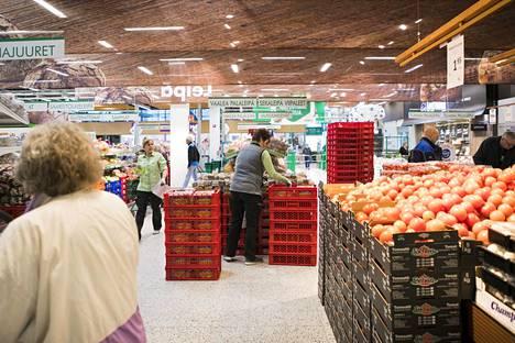 Saarnia ottaa kirjassaan kantaa myös terveellisten ruokien verotukseen.