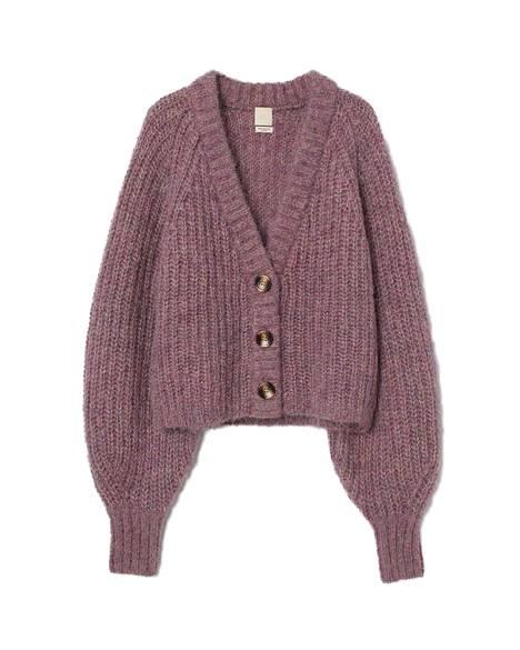 H&M:n villatakissa on 60 prosenttia villaa ja 40 prosenttia alpakkaa, ja sen voi pukea trendikkäästi paidaksi, 49,99 €.