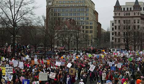 Protestimarsseja järjestettiin yli 30 maassa.