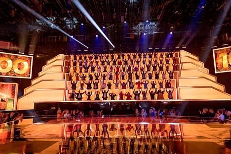 All Together Now Suomi -sarjassa tuomaristoon kuuluu 100 musiikkialan ammattilaista.
