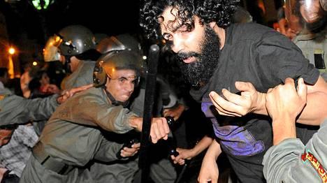 Armahdusta vastaan osoitettiin mieltä Rabatissa perjantaina.