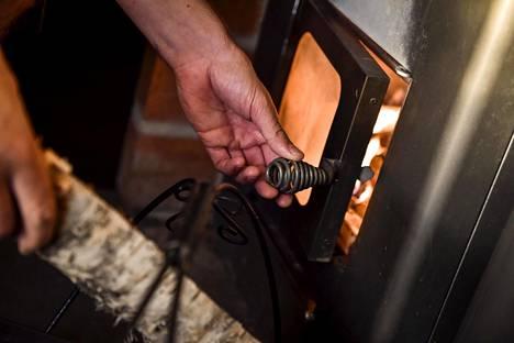 Perushuoltoon kuuluu saunan siivous, lauteiden kunnossapito ja kiuaskivien päivitys