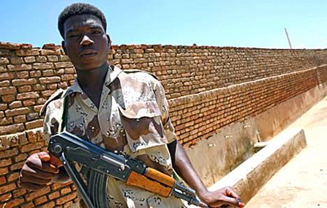 YK:n turvallisuusneuvosto on päättänyt lähettää Darfuriin 26 000 rauhanturvaajaa.