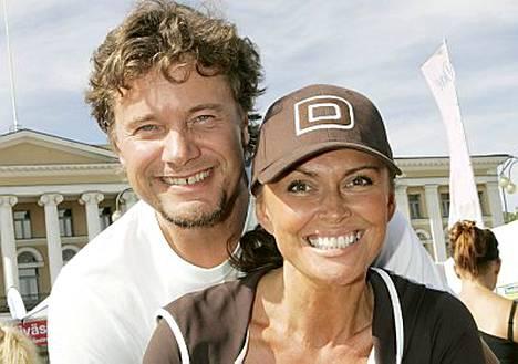 Anne ja Jari Hedman avioituivat 4. toukokuuta 1995.