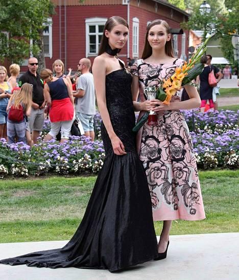 Kekkosen siskokset Emilia (vas.) ja Aino ovat Marjo Sjöroosin tuoreimpia löytöjä.