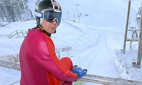 Matti Nykänen hyppäsi veteraanien MM-kultaa.