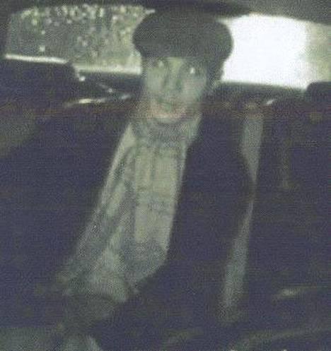New Yorkin poliisi etsii taksikuskia purrutta miestä.
