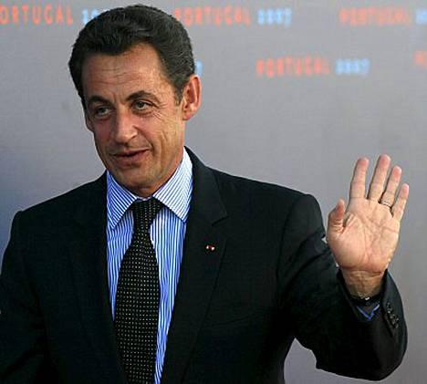 Nicolas Sarkozyn on kohun keskipisteenä.