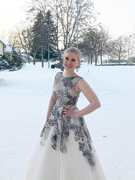 Leppävirtalainen Katariina Honkanen osti unelmiensa mekon Jenkeistä.