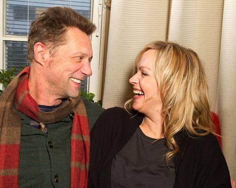 Antti Reini ja Anu Sinisalo ovat seurustelleet yli neljä vuotta.